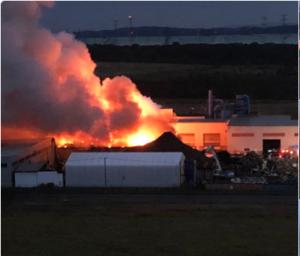 北海道苫小牧市弁天付近で工場火災